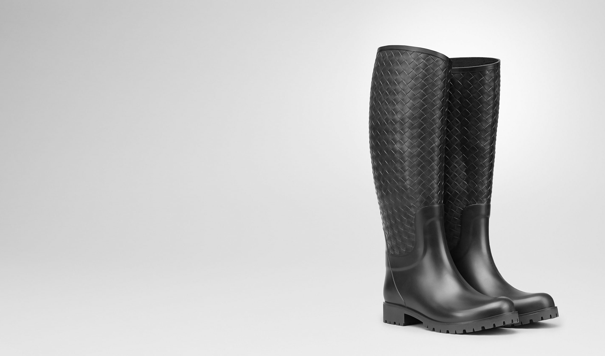 BOTTEGA VENETA Boots and ankle boots D RAINBOOT IN NERO RUBBER pl