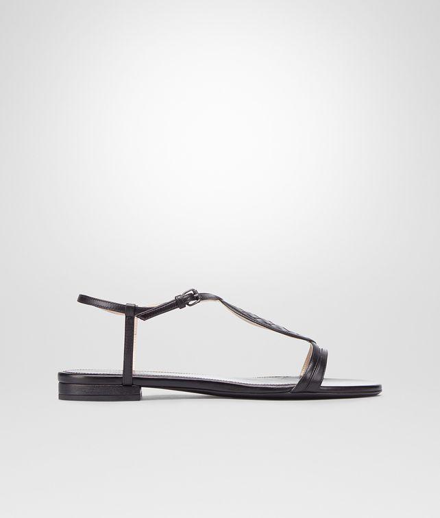 BOTTEGA VENETA Sandale aus Kalbsleder Intrecciato Nero Flacher Schuh D fp