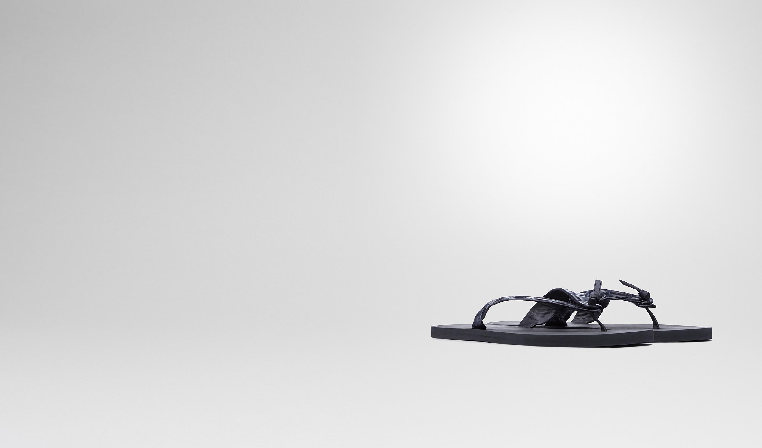 BOTTEGA VENETA Sneaker oder Sandale U Sandale aus Krokodilleder Dark Prusse pl