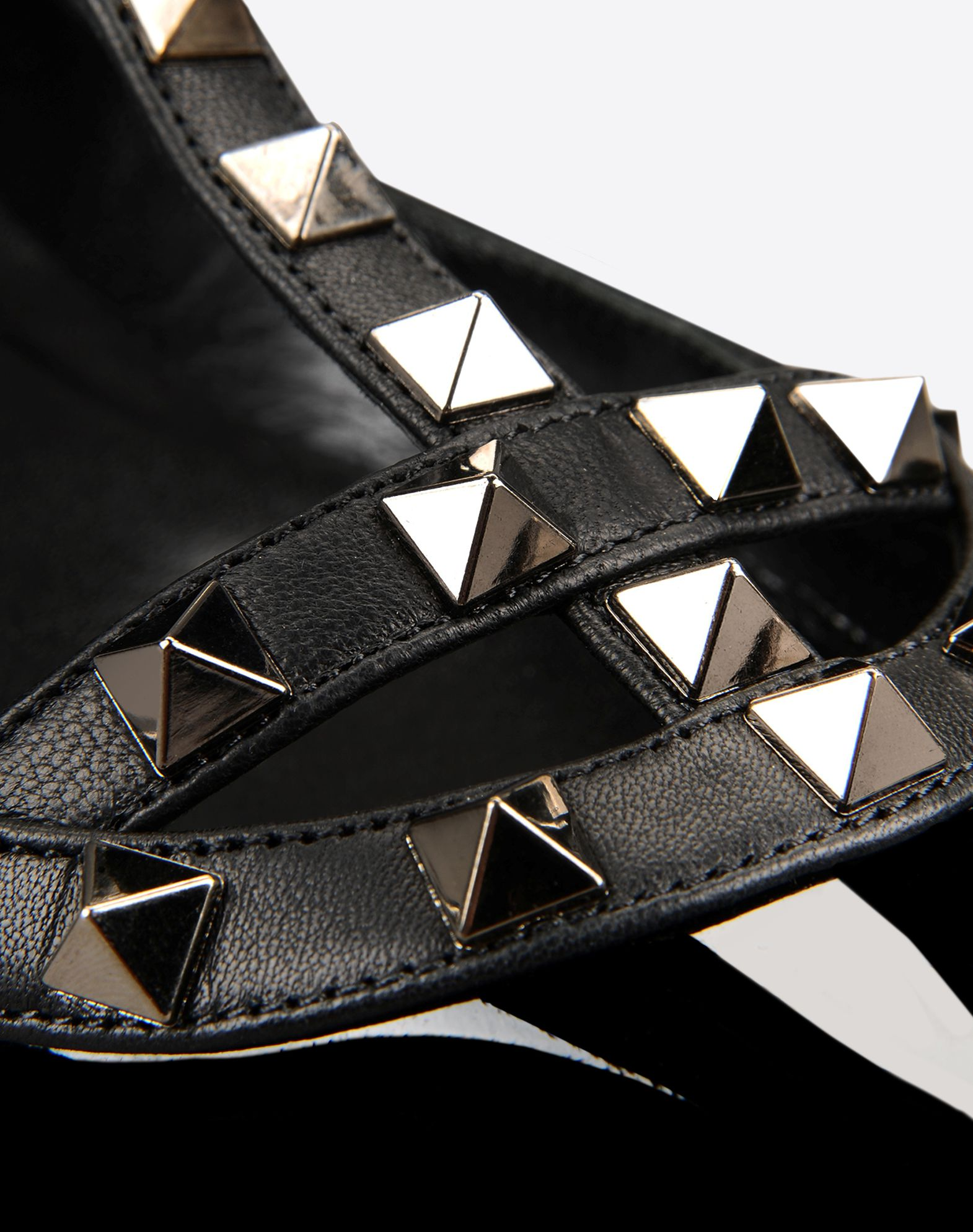 VALENTINO Studs Studs Varnished effect Solid colour Buckling ankle strap closure Leather sole Narrow toeline  44639580cr