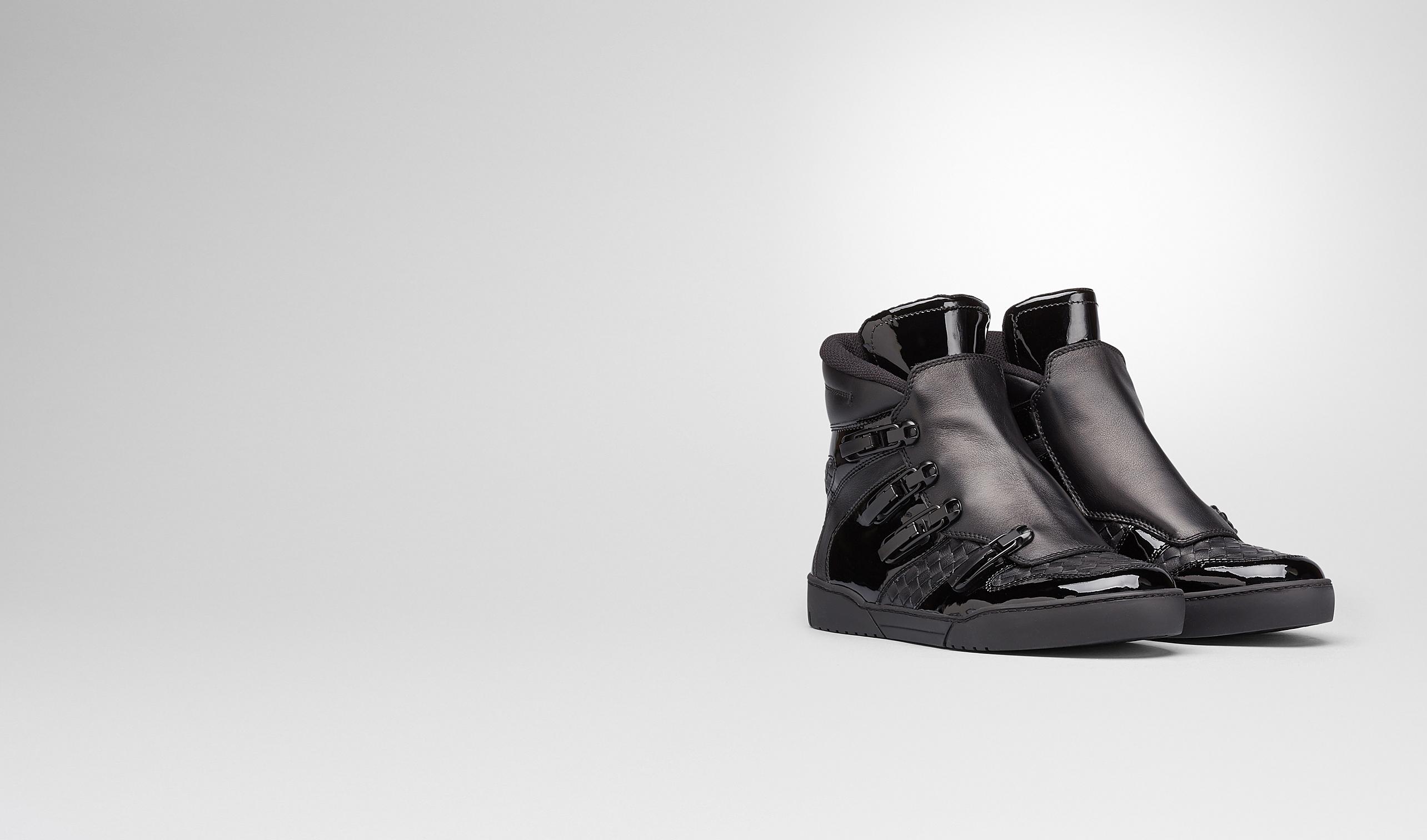 BOTTEGA VENETA Sneaker oder Sandale U SNEAKER AUS KALBSLEDER INTRECCIATO UND LACK NERO pl