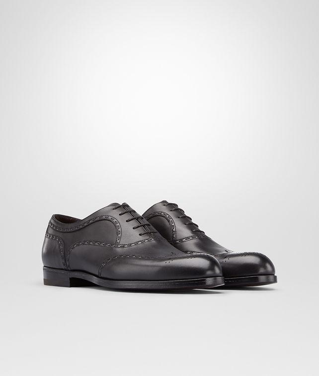 BOTTEGA VENETA YORK IN NERO CALF Lace Up U fp