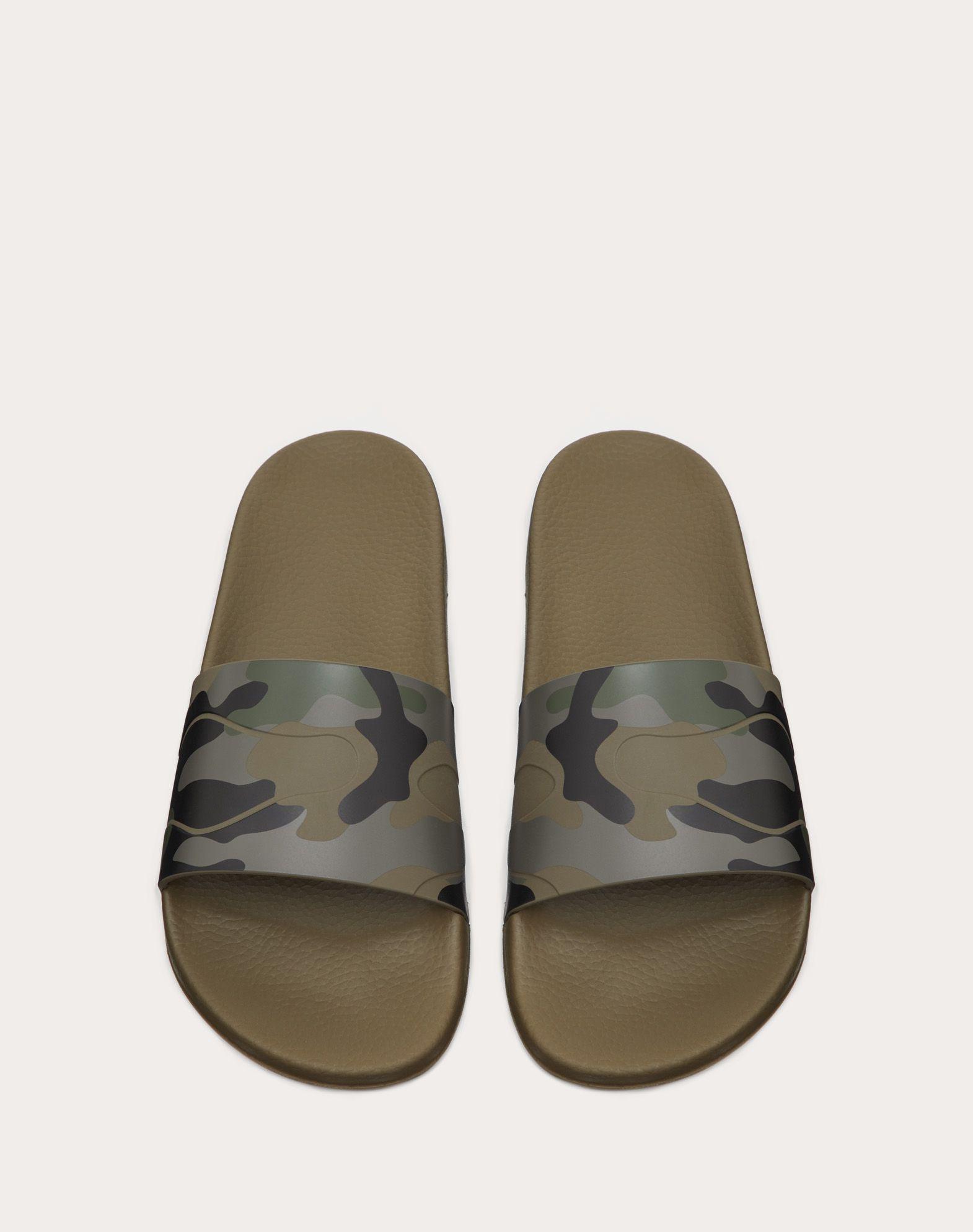 VALENTINO GARAVANI UOMO Sandalias de pala Camouflage Chanclas de goma U e