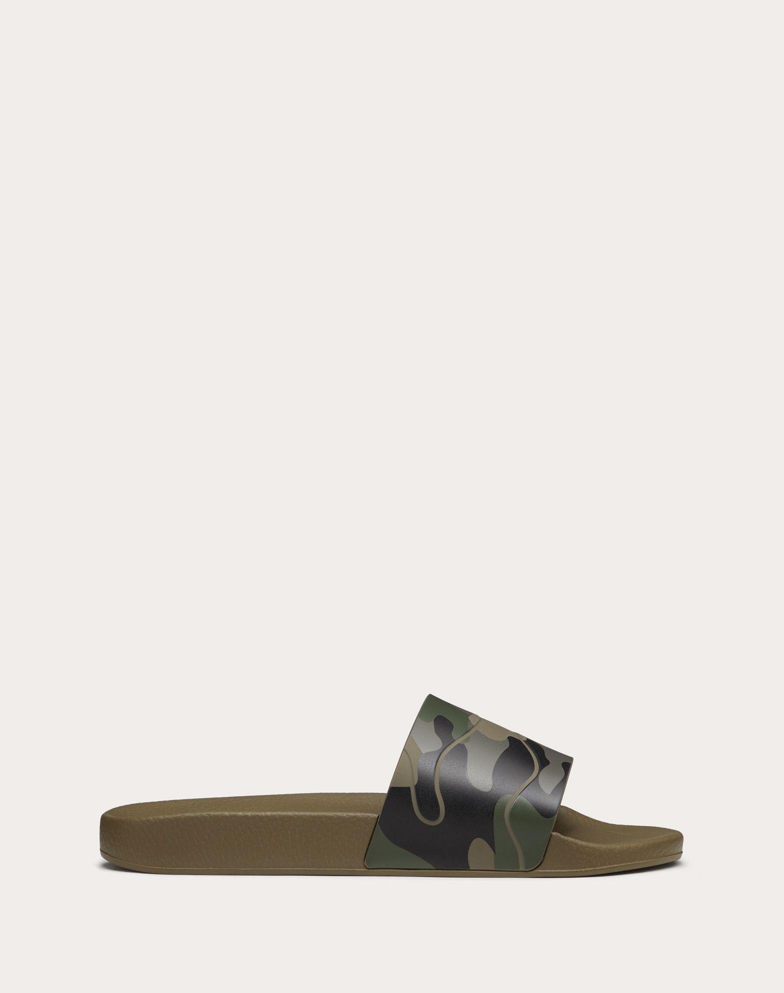 VALENTINO GARAVANI UOMO Sandalias de pala Camouflage Chanclas de goma U f