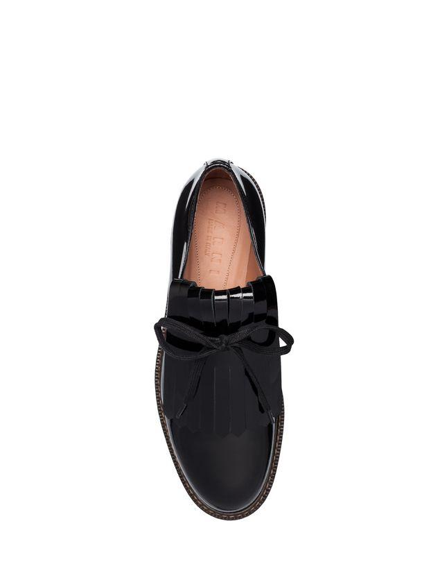 MARNI Chaussures à lacets Femme Chaussures à lacets Derby en cuir laminé  avec frange d 6c1d862b0088