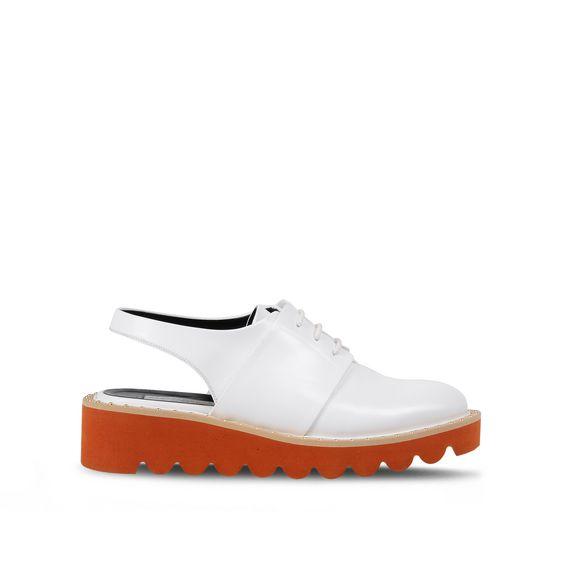 Chaussures Odette à bride arrière blanches