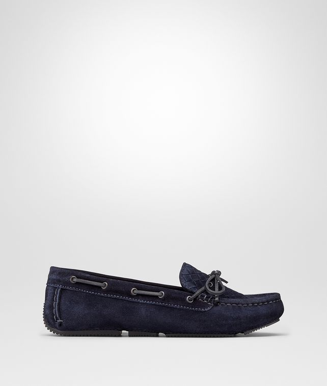 BOTTEGA VENETA WAVE DRIVER IN DARK NAVY INTRECCIATO SUEDE Flat D fp