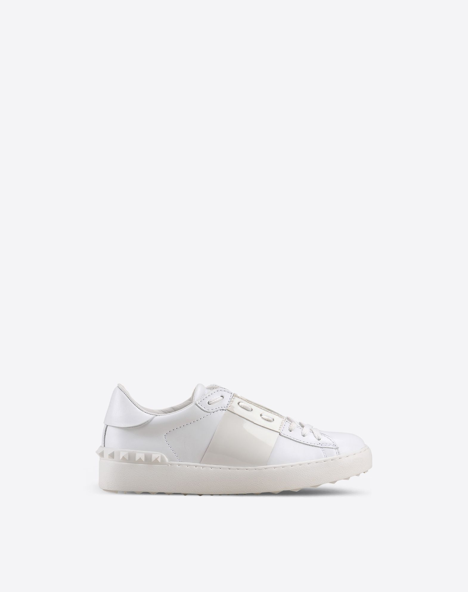 VALENTINO Logo detail Varnished effect Two-tone pattern Laces Rubber cleated sole Round toeline  44910342tc