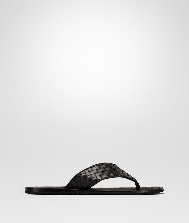 BOTTEGA VENETA CONYER THONG SANDAL IN NERO INTRECCIATO CALF Sneaker or Sandal Man fp
