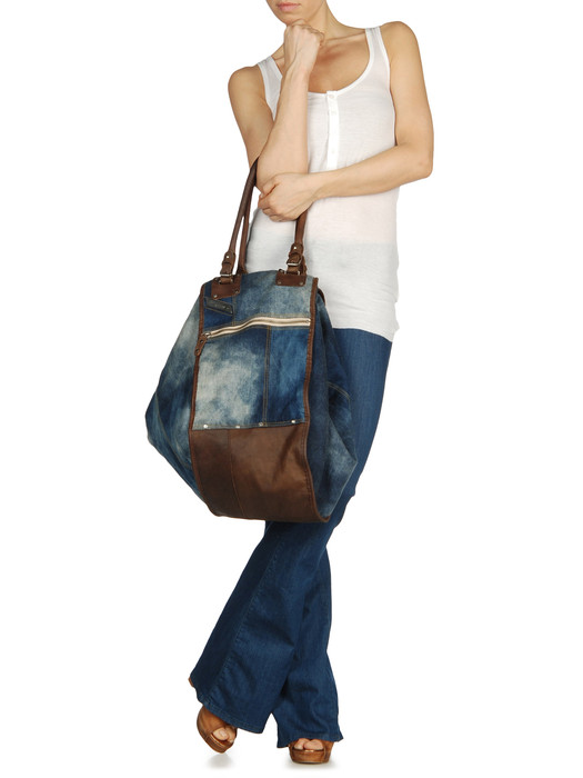 DIESEL DIVINA Handbag D e