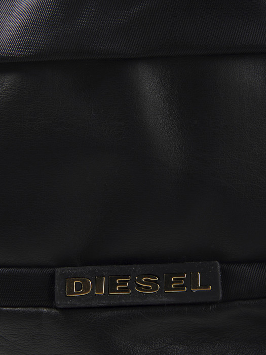DIESEL HI-JACK II Travel Bag U d