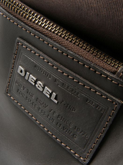DIESEL VI8 Travel Bag U d
