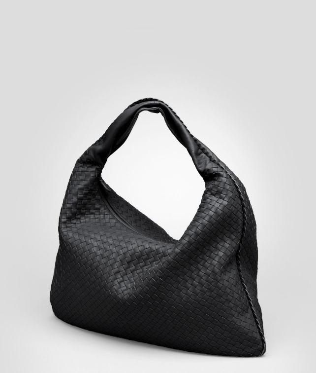 BOTTEGA VENETA Intrecciato Nappa Maxi Veneta Shoulder or hobo bag D fp