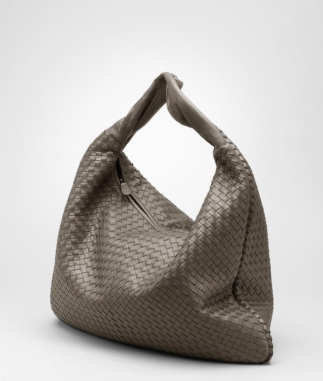 BOTTEGA VENETA Intrecciato Nappa Maxi Veneta Shoulder or hobo bag D fp
