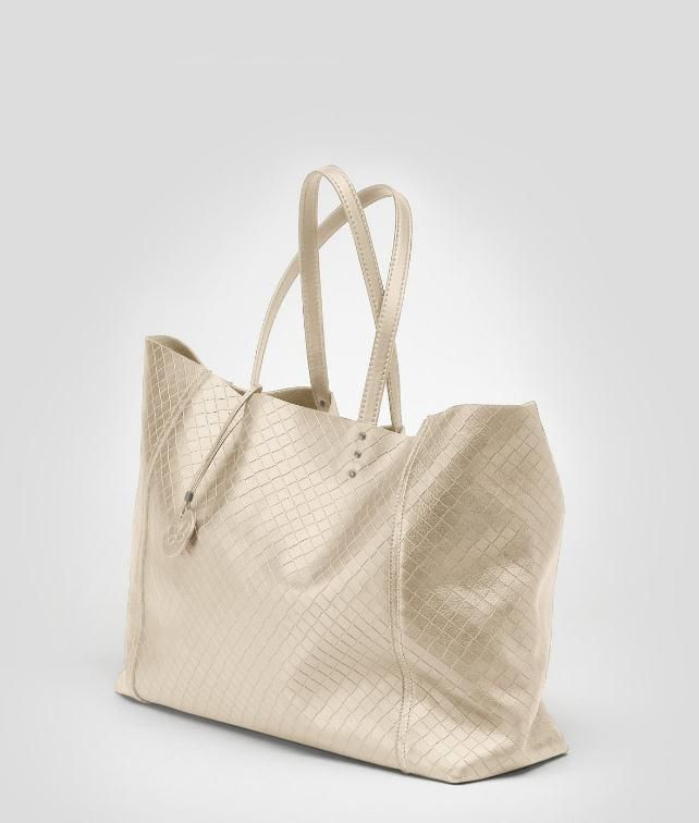 BOTTEGA VENETA Intrecciomirage Large Tote Tote Bag D fp