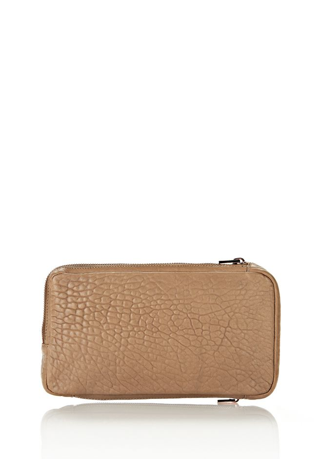 ALEXANDER WANG SOFT CLUTCH IN LATTE DUMBO WITH ROSEGOLD CLUTCH Adult 12_n_d