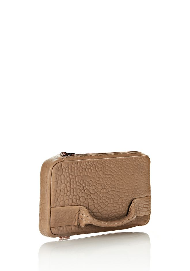 ALEXANDER WANG SOFT CLUTCH IN LATTE DUMBO WITH ROSEGOLD CLUTCH Adult 12_n_e