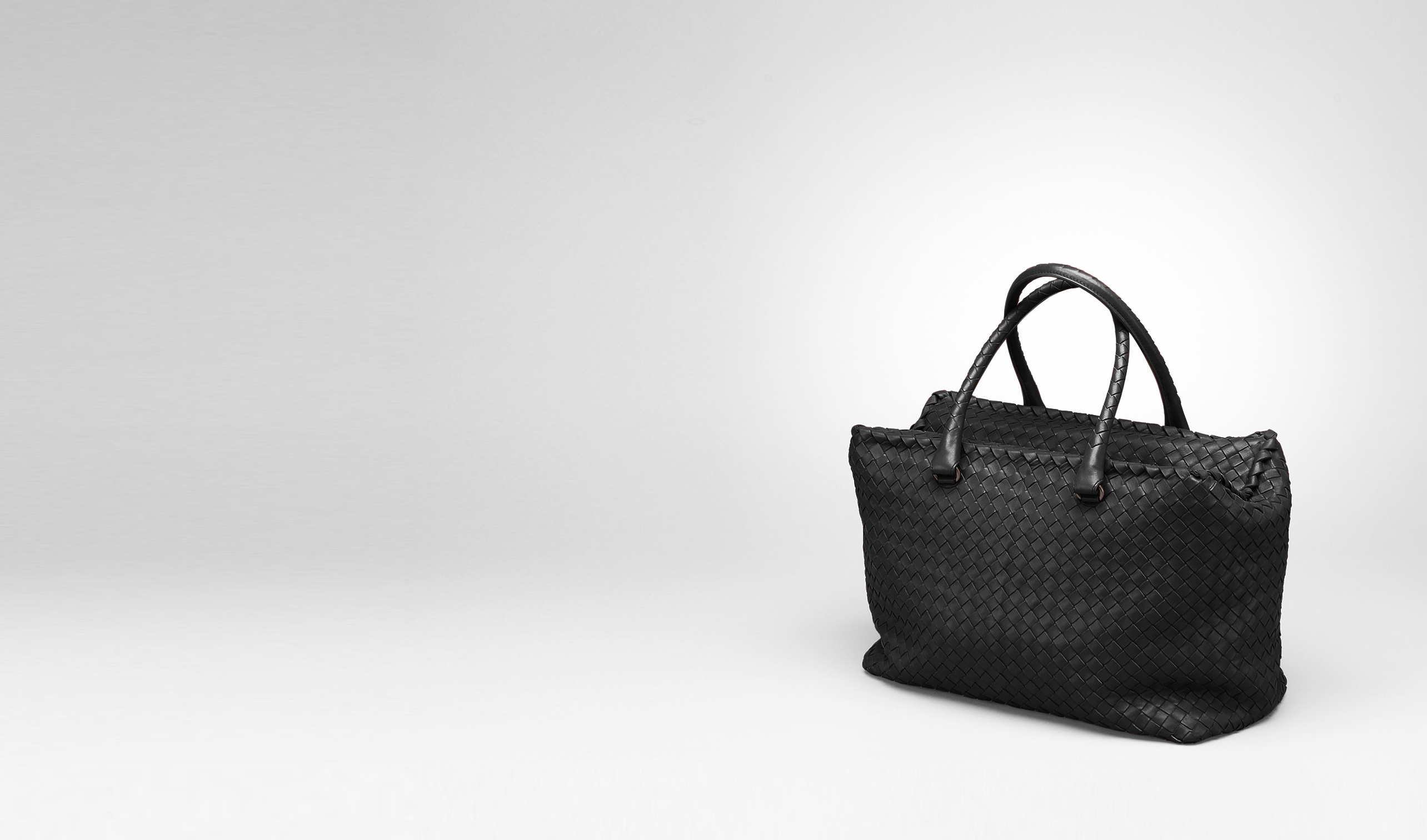 BOTTEGA VENETA Top Handle Bag D Nero Intrecciato Nappa Brick Bag pl