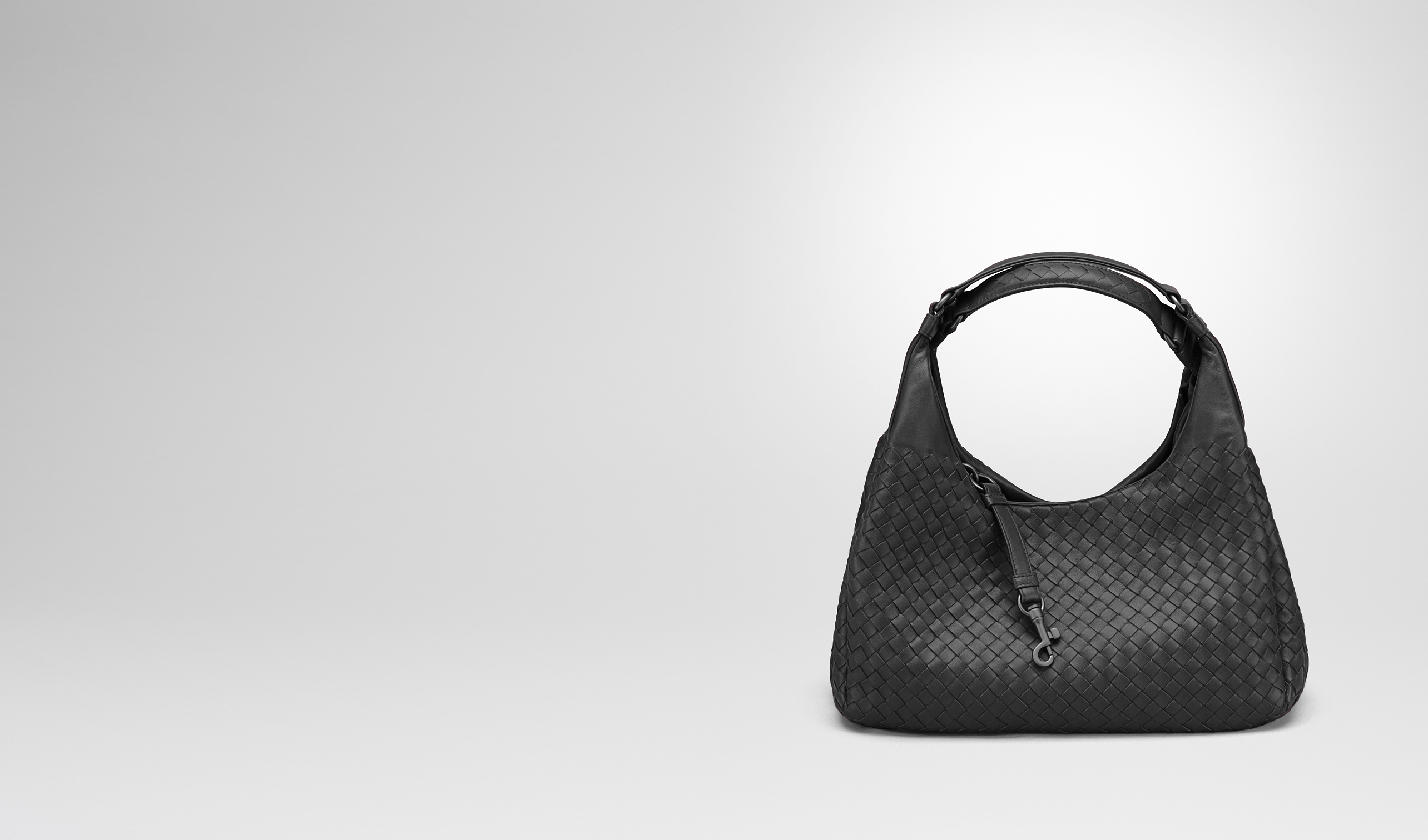 BOTTEGA VENETA Shoulder or hobo bag D MEDIUM CAMPANA BAG IN NERO INTRECCIATO NAPPA pl