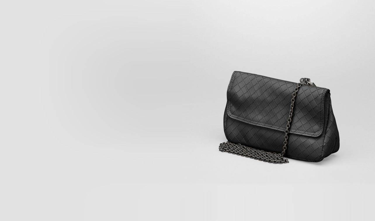 BOTTEGA VENETA Crossbody bag D Nero Intrecciomirage Messenger Mini Bag pl
