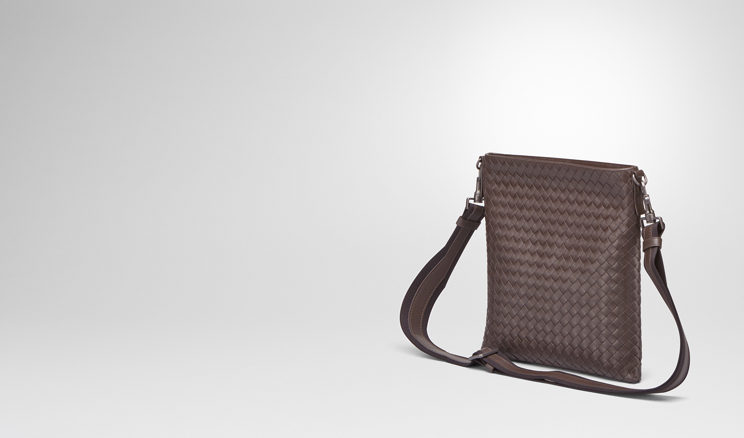 BOTTEGA VENETA Messenger Bag U Ebano Intrecciato VN Cross Body Bag pl