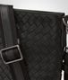 BOTTEGA VENETA SMALL MESSENGER BAG IN NERO INTRECCIATO VN Messenger Bag U ep