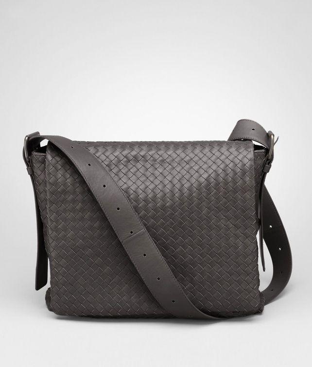 BOTTEGA VENETA Messenger Tasche aus leichtem Kalbsleder Moro Messenger Tasche U fp
