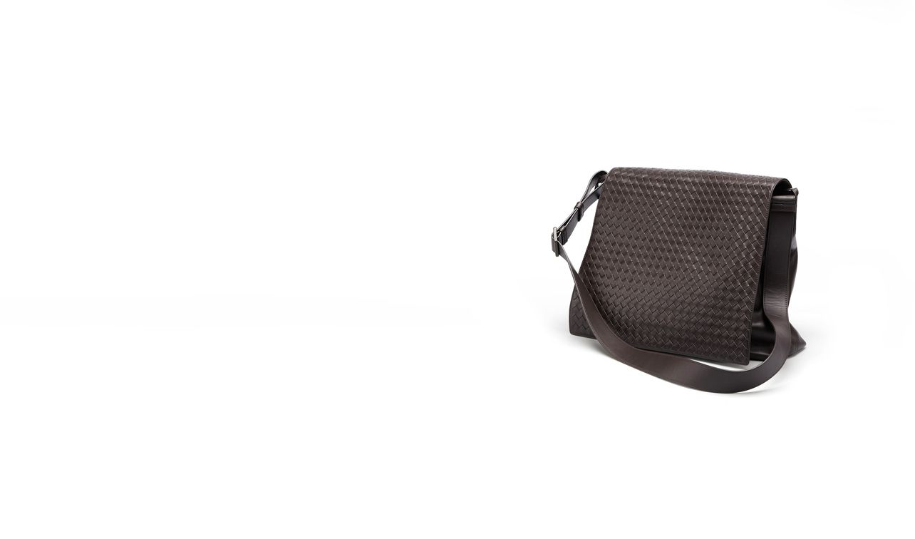 BOTTEGA VENETA Crossbody bag D MESSENGER BAG IN EBANO INTRECCIATO VN pl