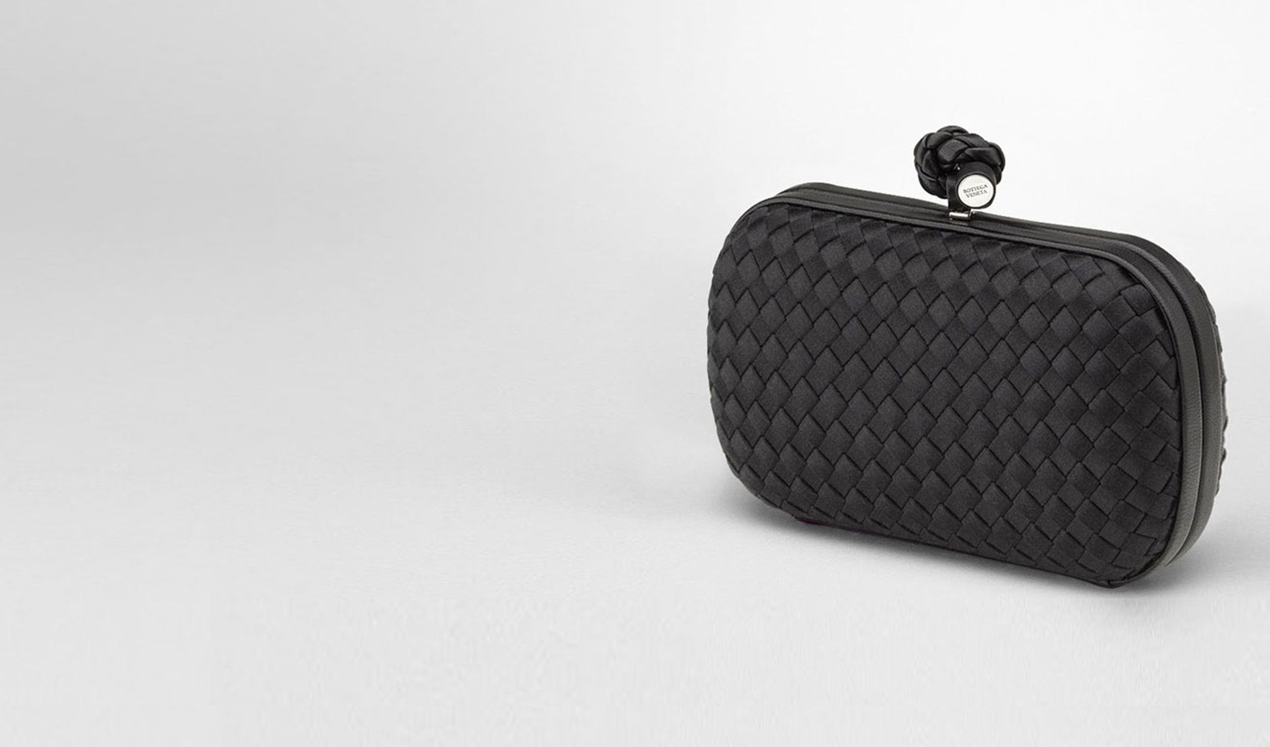 BOTTEGA VENETA Clutch D Nero Satin Knot pl