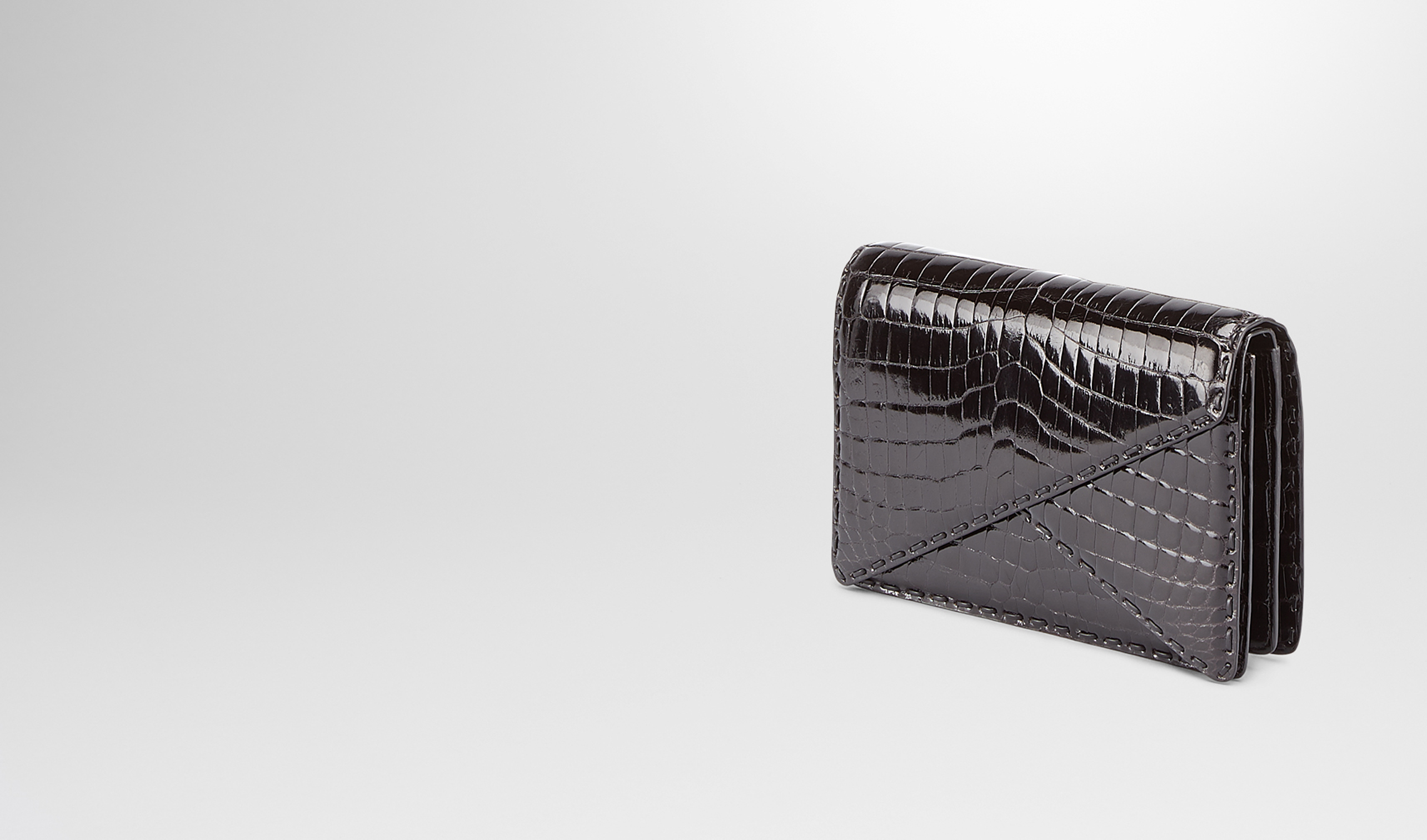 BOTTEGA VENETA Pochette D Clutch Nera in Shiny Crocodile pl