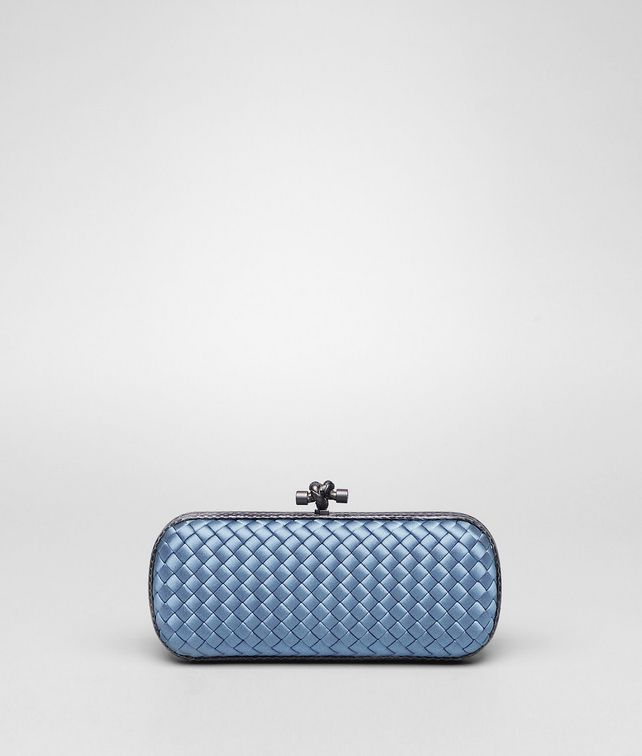 BOTTEGA VENETA STRETCH KNOT IN KRIM INTRECCIO IMPERO, AYERS DETAILS Clutch D fp