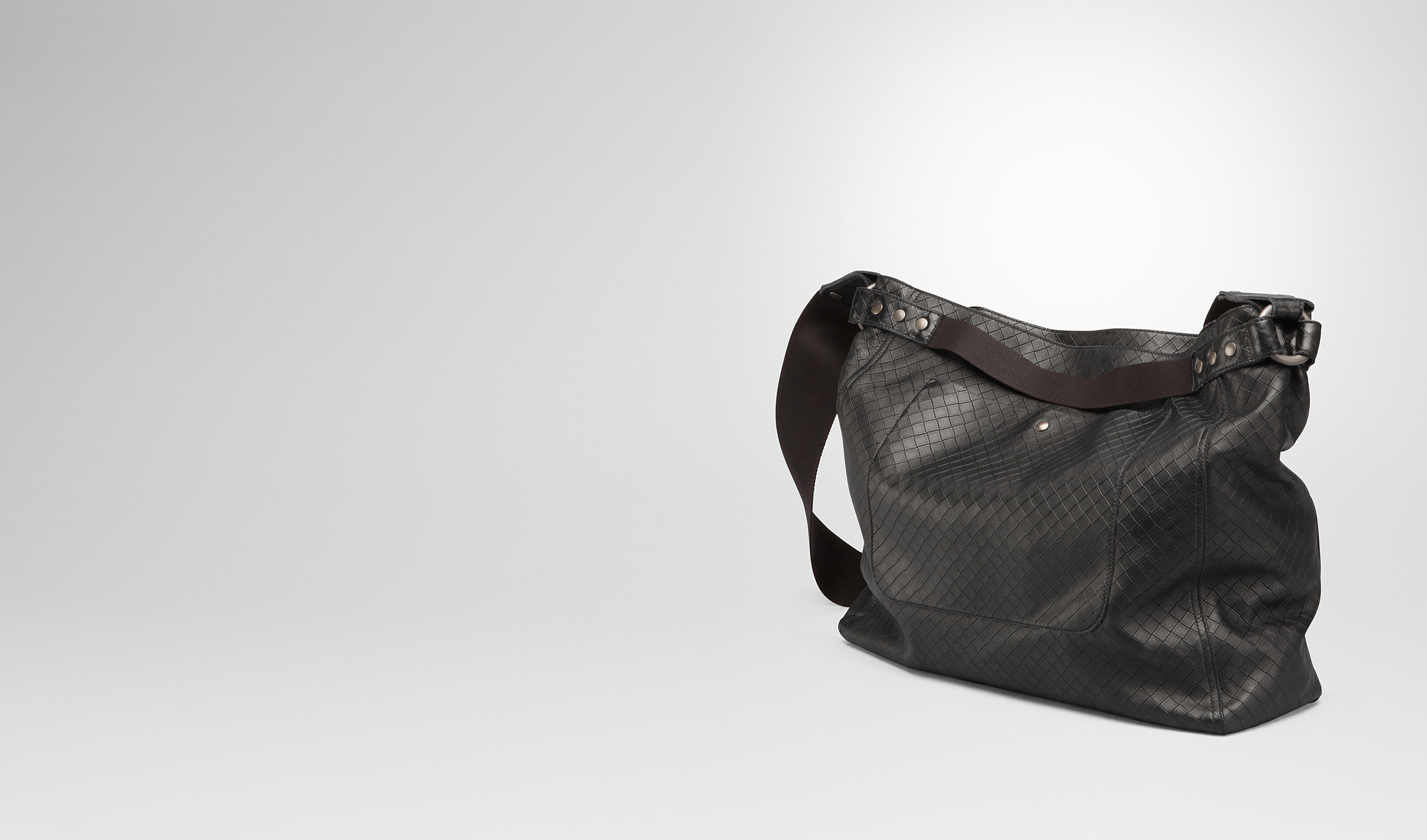 BOTTEGA VENETA Messenger Bag U MESSENGER BAG IN NERO INTRECCIOMIRAGE pl