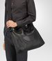 BOTTEGA VENETA MESSENGER BAG IN NERO INTRECCIOMIRAGE Messenger Bag U lp