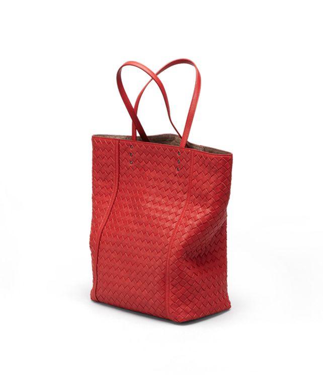 BOTTEGA VENETA TOTE BAG IN BLOOD INTRECCIATO NAPPA Tote Bag D fp