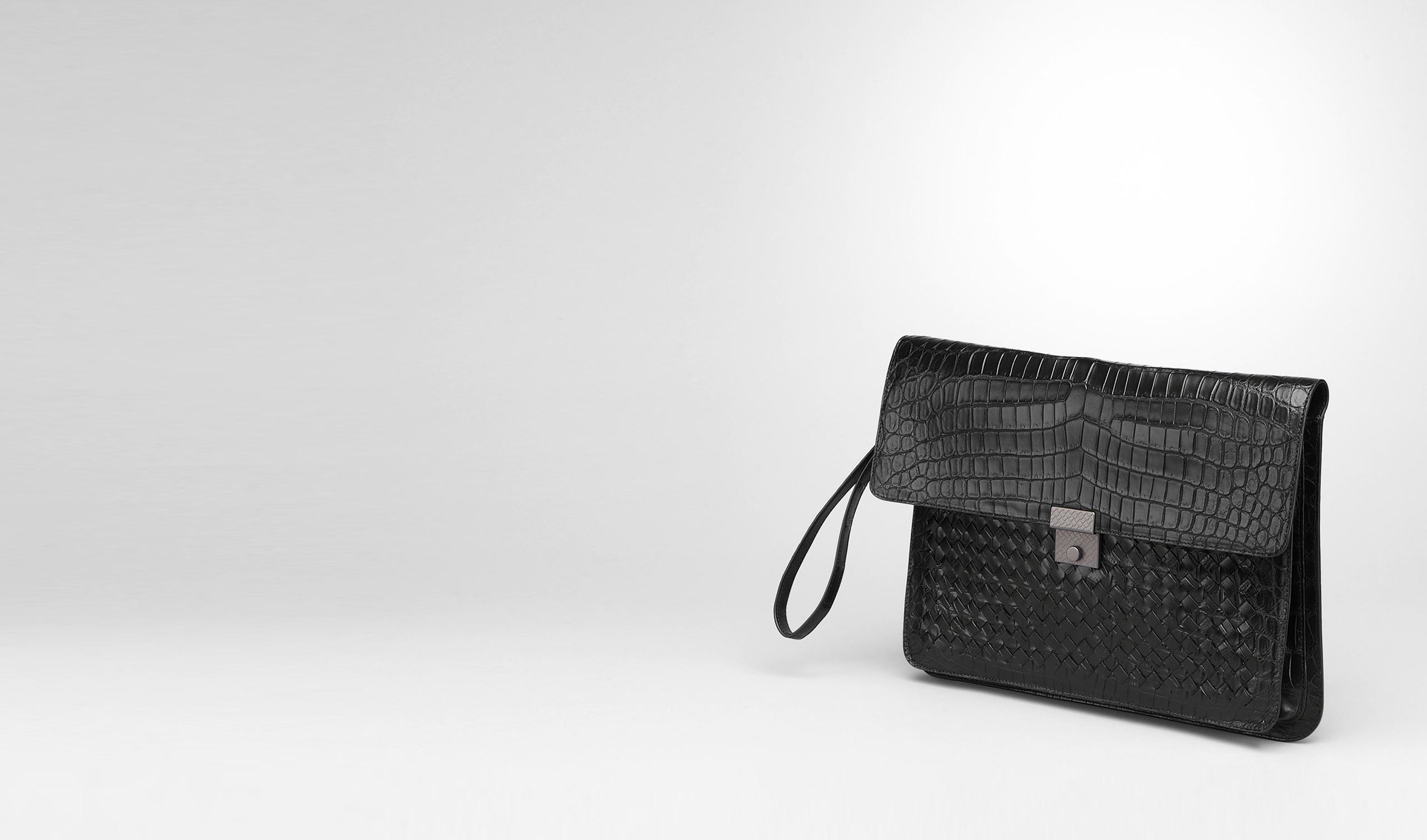 BOTTEGA VENETA Small bag U Nero Intrecciato Soft Crocodile Document Case pl