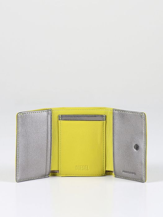 DIESEL COMPACTING Wallets D a