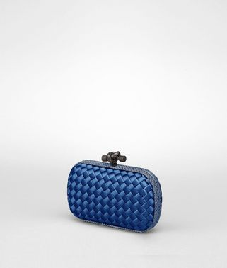 KNOT CLUTCH AUS INTRECCIO IMPERO IN ELECTRIQUE MIT AYERS-DETAILS