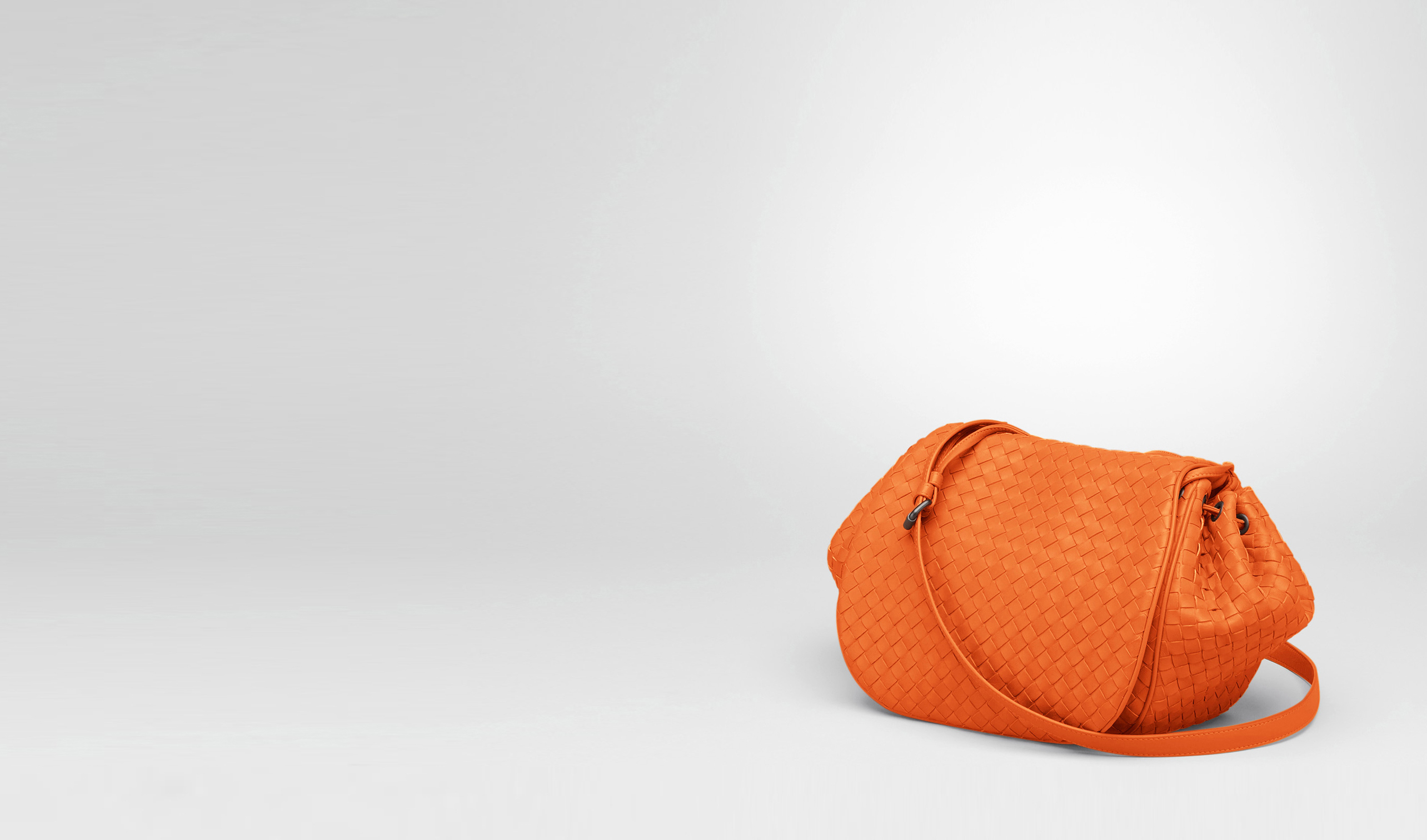BOTTEGA VENETA Crossbody bag D Tangerine Intrecciato Nappa Cross Body Bag pl