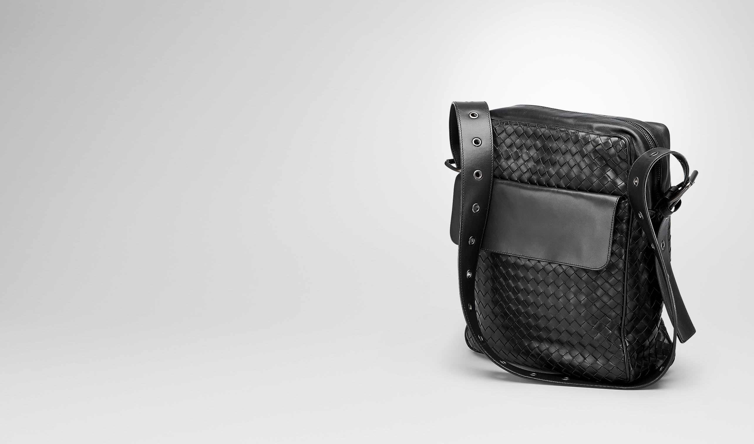 BOTTEGA VENETA Messenger Bag U MESSENGER BAG IN NERO INTRECCIATO VN pl