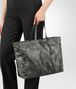 BOTTEGA VENETA LARGE TOTE BAG IN NEW LIGHT GREY INTRECCIOLUSION Tote Bag Woman ap