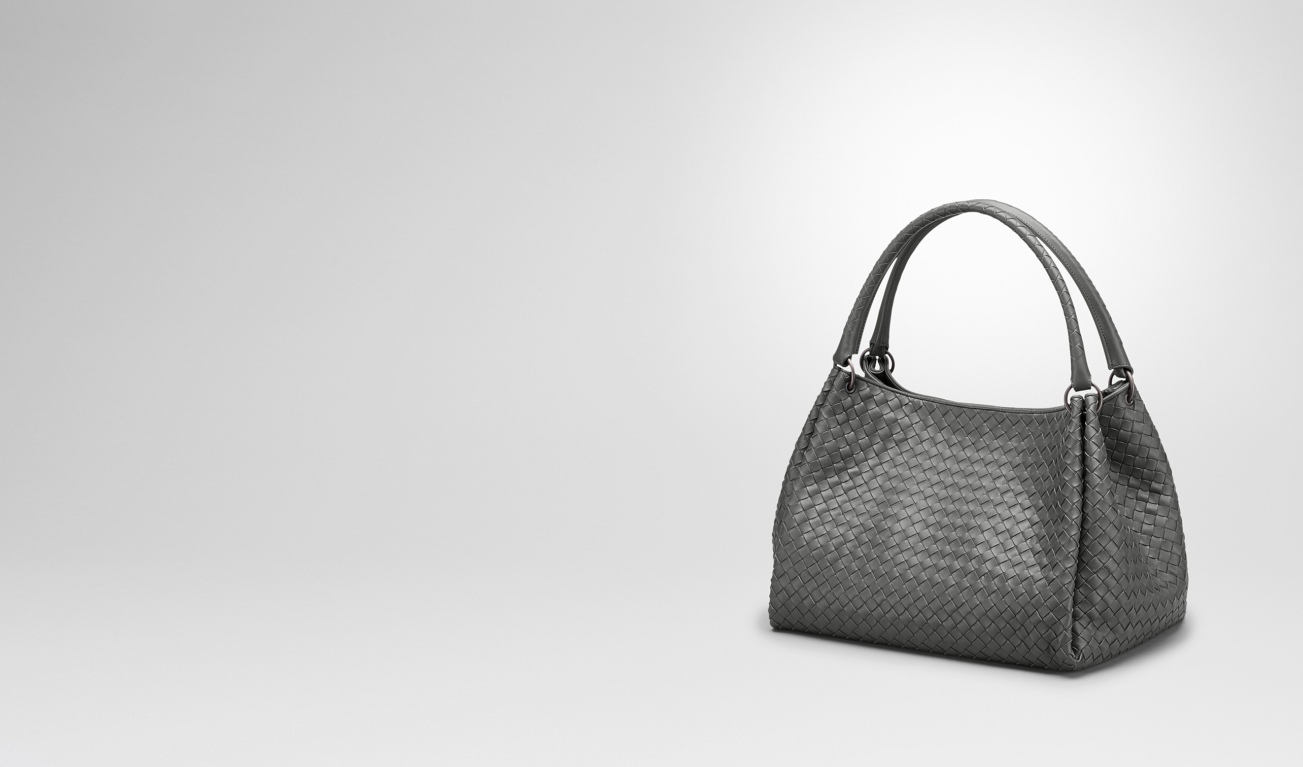 BOTTEGA VENETA Schultertasche D PARACHUTE TASCHE AUS INTRECCIATO NAPPA IN NEW LIGHT GREY pl