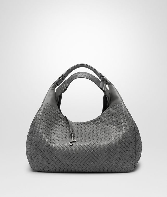 BOTTEGA VENETA GROSSE CAMPANA TASCHE AUS INTRECCIATO NAPPA IN NEW LIGHT GREY Schultertasche D fp
