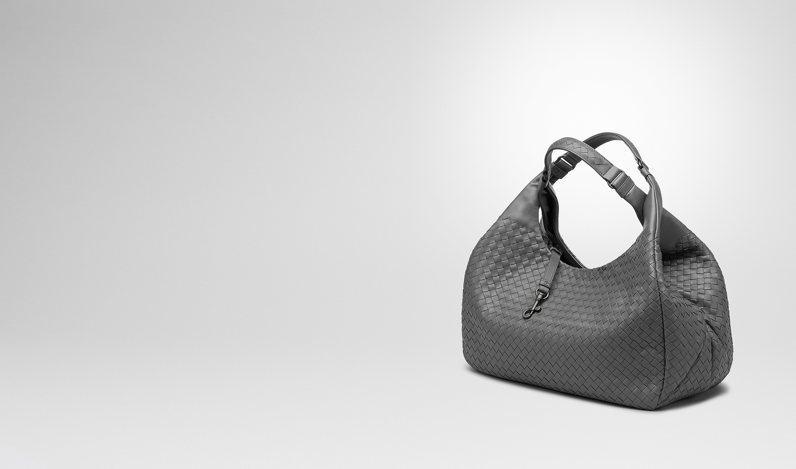 BOTTEGA VENETA Borsa a spalla D BORSA CAMPANA NEW LIGHT GREY IN NAPPA INTRECCIATA pl