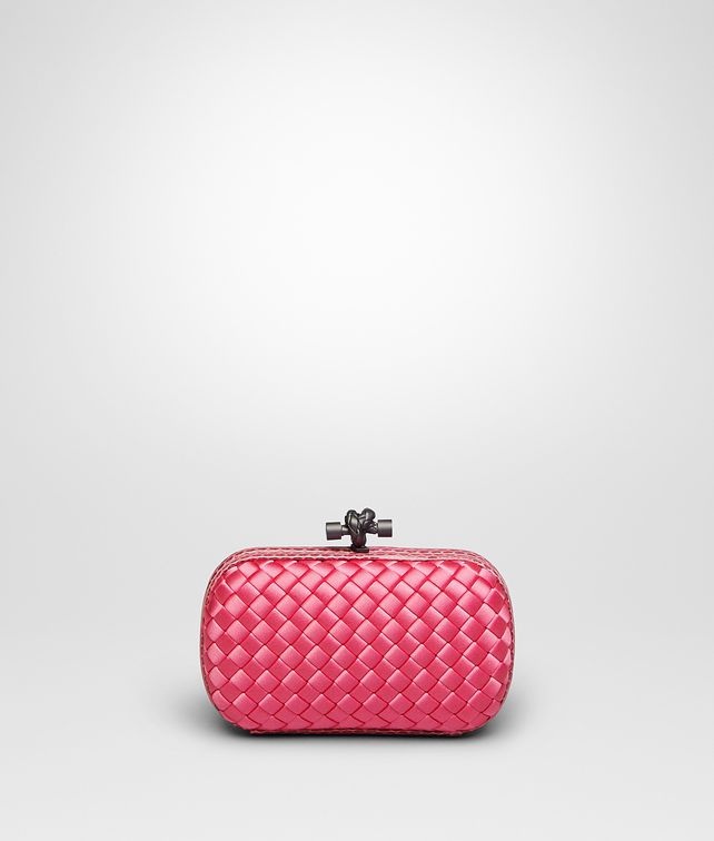 BOTTEGA VENETA KNOT CLUTCH IN ROSA SHOCK INTRECCIO IMPERO, AYERS DETAILS Clutch D fp