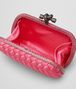 BOTTEGA VENETA KNOT CLUTCH AUS INTRECCIO IMPERO IN ROSA SHOCK MIT AYERS-DETAILS Clutch D dp