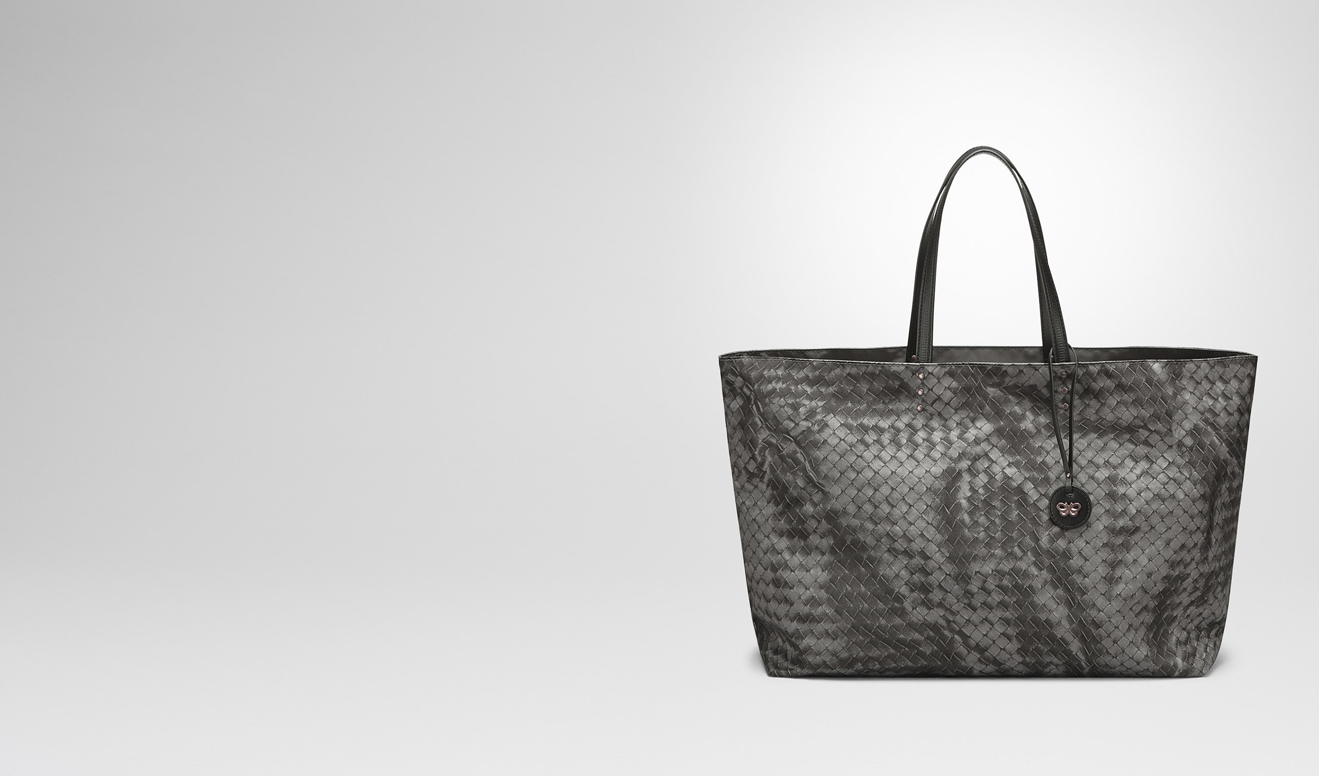 BOTTEGA VENETA Borsa Shopping D BORSA SHOPPING MEDIA IN INTRECCIOLUSION NEW LIGHT GREY pl