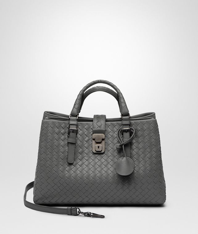 BOTTEGA VENETA KLEINE ROMA TASCHE AUS INTRECCIATO KALBSLEDER IN NEW LIGHT GREY Henkeltasche D fp
