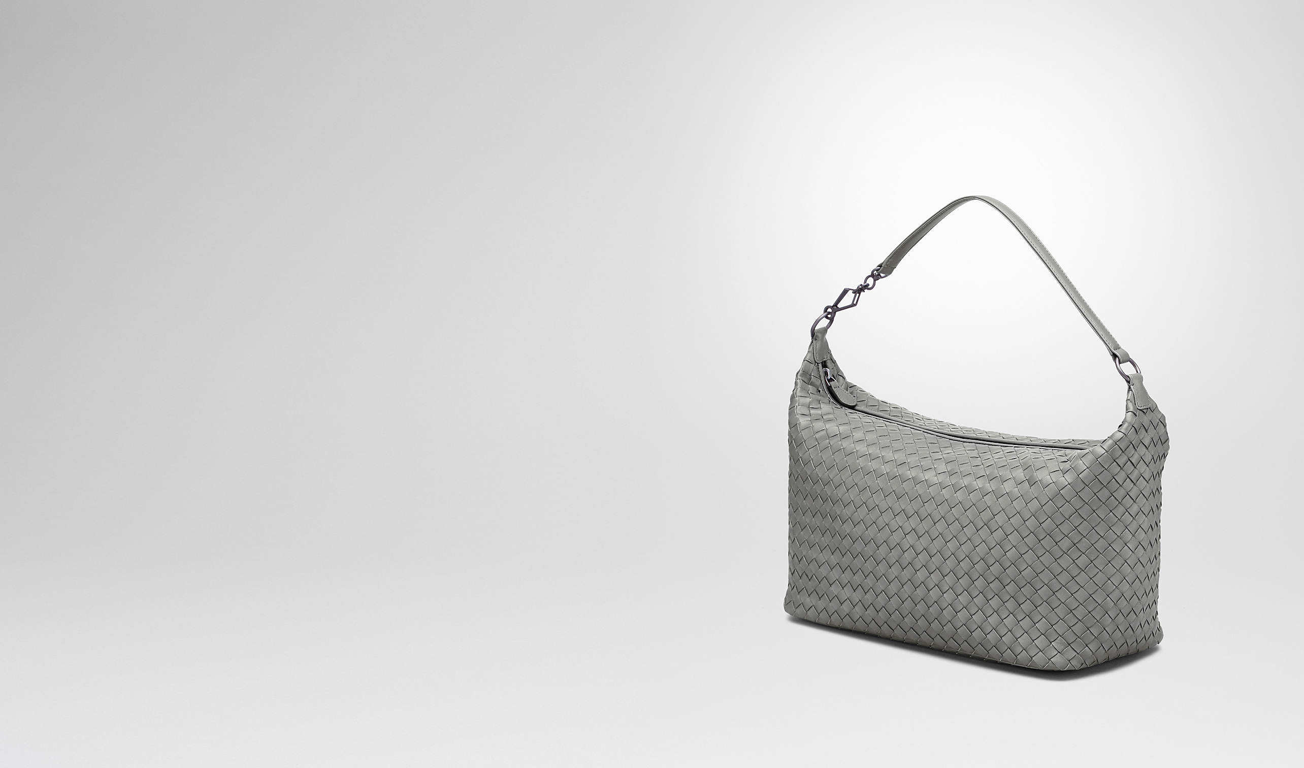 BOTTEGA VENETA Schultertasche D TASCHE AUS NAPPALEDER INTRECCIATO NEW LIGHT GREY pl