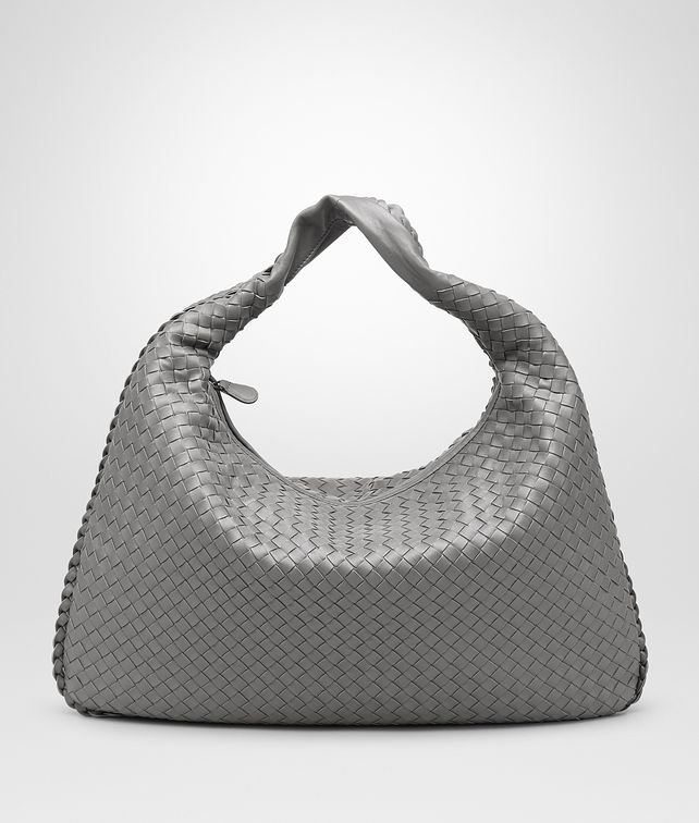 BOTTEGA VENETA VENETA LARGE NEW LIGHT GREY IN NAPPA INTRECCIATA Borsa a spalla D fp