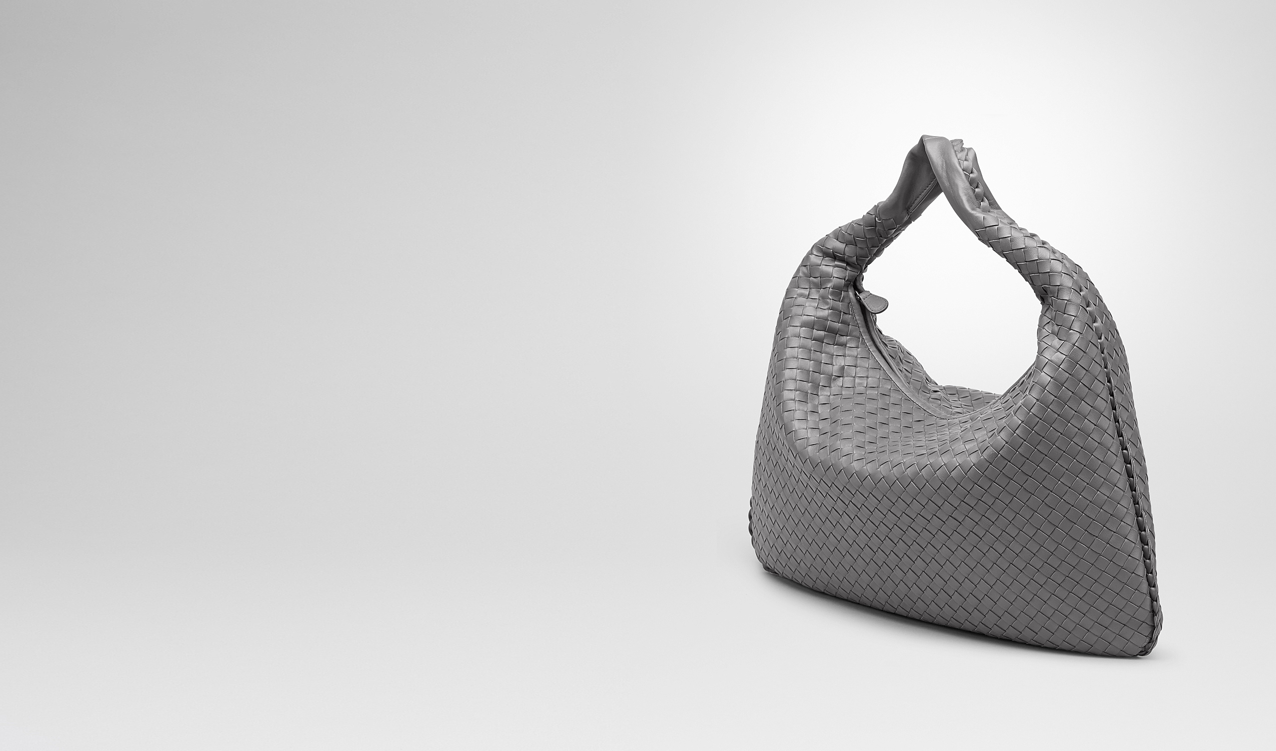 BOTTEGA VENETA Borsa a spalla D VENETA LARGE NEW LIGHT GREY IN NAPPA INTRECCIATA pl